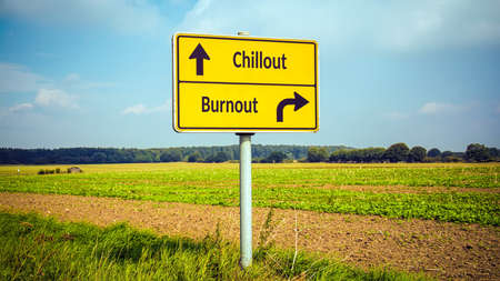 Street Sign the Direction Way to Chillout versus Burnout Banque d'images