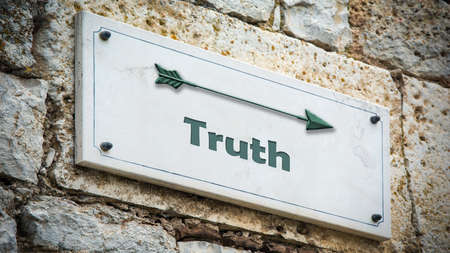 Street Sign the Direction Way to Truth Archivio Fotografico