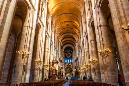 Interior of the Saint Sernin basilica in Toulouse in Occitania, France Sajtókép