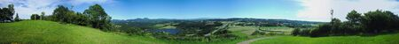 panoramic view of the puys - Puy-de-Dome, Auvergne. Seen from puy de Mouffle. 版權商用圖片 - 124989282