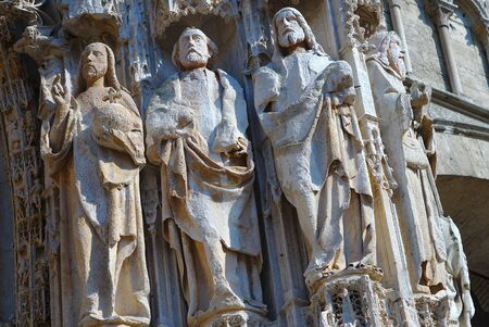 Cathedral Notre-Dame of Rouen. Row of statues on the western facade Reklamní fotografie