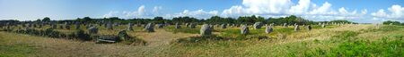 panoramic view of alignments of menhirs of Carnac, Brittany; Morbihan; la France 版權商用圖片 - 124989853