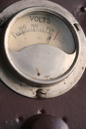 dial indicating a vintage power supply, close-up 写真素材 - 128655048