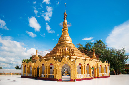 미얀마 빅토리아 포인트 Kawthaung에서 미얀마 파고다. 스톡 콘텐츠