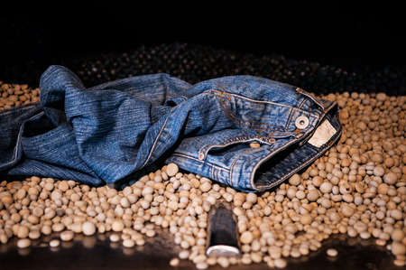 store shelf: Stonewashed denim, Jean washing process, Jean finishing process