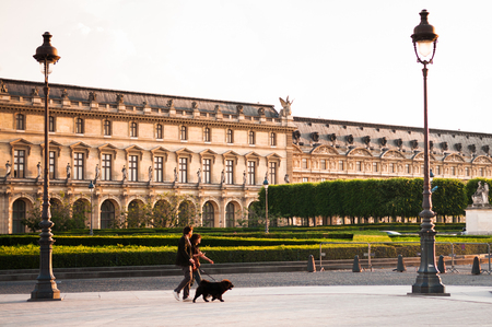 JUNE 8, 2011 PARIS, France : Tourist at Louvre museum in the evening, the most famous museum of Paris. 報道画像
