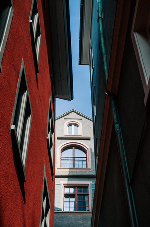 Colourful beautiful old vintage buildings in Zurich Old town Altstadt area Stockfoto