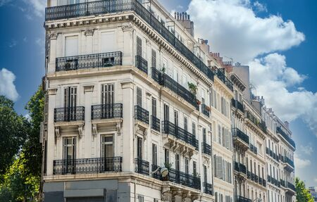 Photo of traditional French building in Marseille, France. Banque d'images
