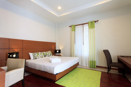 bedroom suite: hotel bedroom