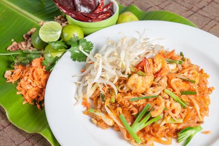 Thai food style , stir-fried rice noodles (Pad Thai) Standard-Bild