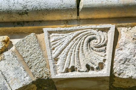 escultura romana: Escultura romana en la pared - elemento arquitect�nico del predio