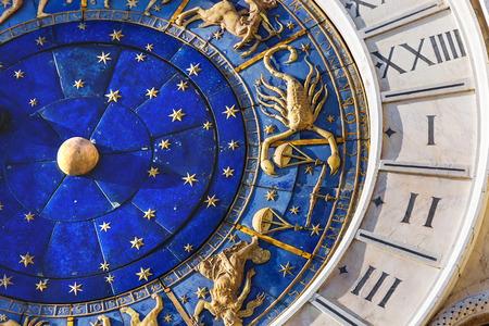 esoterismo: Primer en el Reloj astronómico en la plaza San Marco, Venecia, Italia.