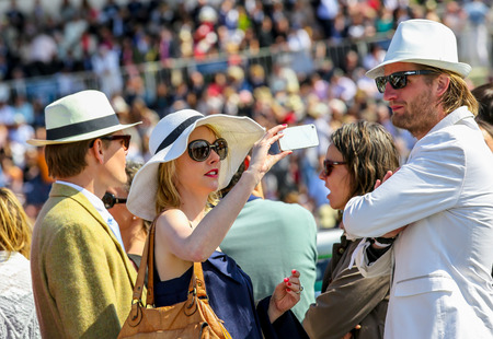 qui: CHANTILLY - JUNE 15: General atmosphere at the Prix de Diane - The Diana Award is a French horse race qui runs Every year in June. In an atmosphere of sporting fervor and chic picnic Chantilly. Considered the price of elegance and distinction, thanks to i