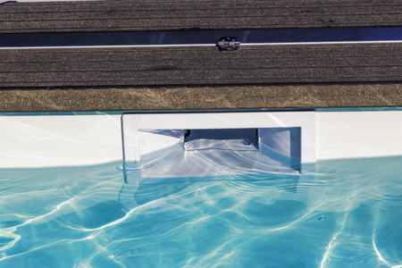 hatch skimmer system of private pool Standard-Bild