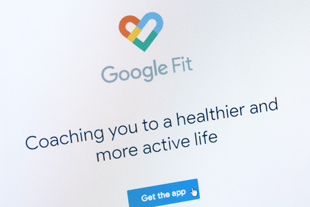Benon, France - January 14, 2019: Screenshot of promotion page of Google Fit app. The app is a health tracking platform. Google is an American company which provides a variety of internet services. Редакционное
