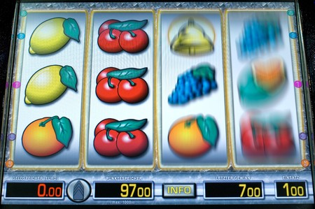 profit and loss: Rotating fruit machine