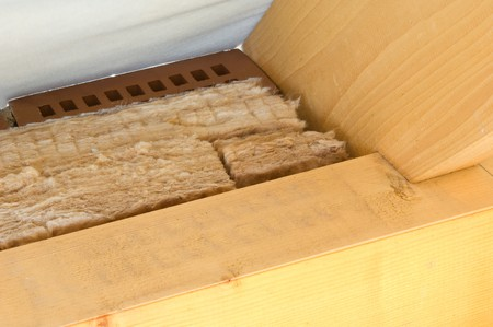 rock wool: Thermal insulation of a house roof