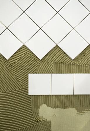 tegelwerk: Wand tegels lijm Stockfoto