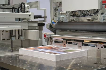 digital printing: Cutting machine in a print shop