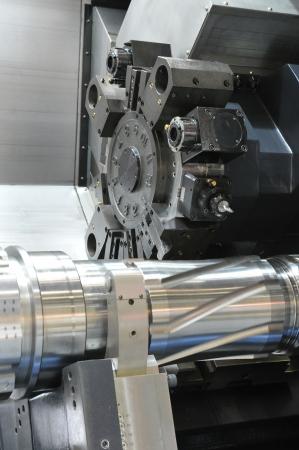 milling center: Tornio, fresatura CNC