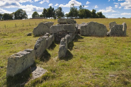 megalith: Megalith grave Girommen in a field