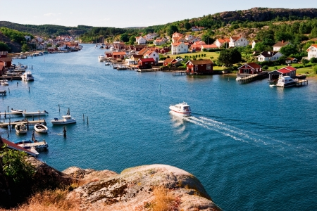Oude vissersdorp aan de kust Stockfoto