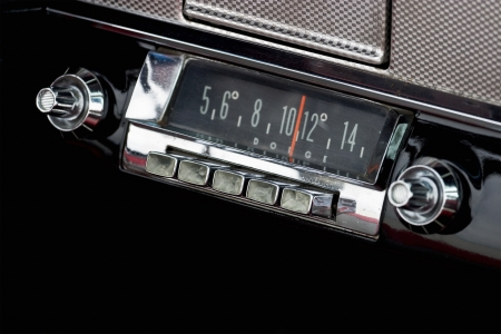 Car Radio in a old american car Stock Photo - 16463259