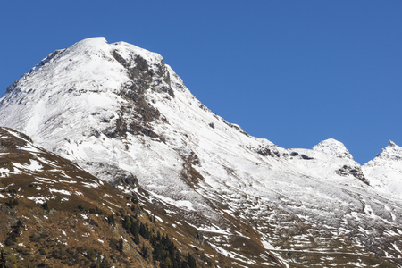 hohe tauern: Snow covered mountain peak in Hohe Tauern National Park, Austria