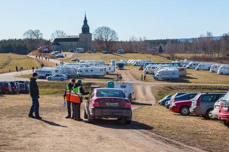 birdwatcher: Parking at Hornborgasjon for birdwatchers