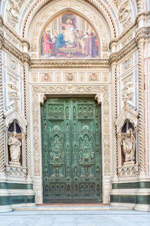 santa maria del fiore: Cattedrale di Santa Maria del Fiore portal Stock Photo