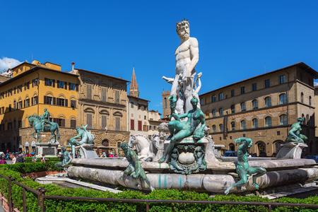 neptuno: Fountain of Neptune in Piazza della Signoria in Florence
