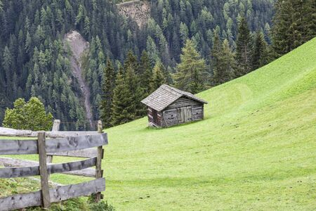 glanz: Countryside alp shed on the field