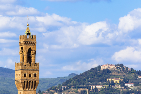 palazzo: View of the Palazzo Vecchio tower in Florence