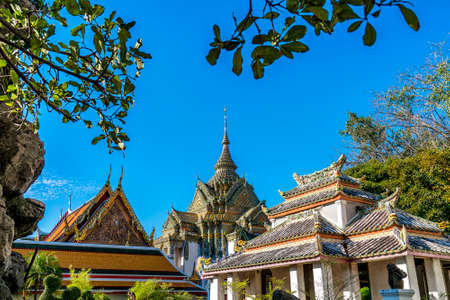 wat pho: Wat pho is the beautiful temple in Bangkok, Thailand. The official name being Wat Phra Chetuphon Vimolmangklararm Rajaworamahavihara.