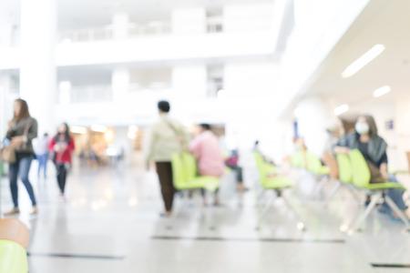 visitador medico: Imagen borrosa de espera de los pacientes para ver al médico. para usos fondo
