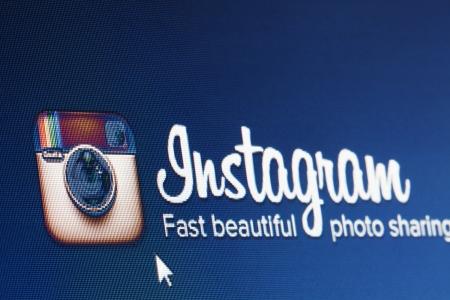 BRUXELLES-3 mars 2013: Instagram franchit le cap du 100 millions d'utilisateurs. Instagram co-fondateur Kevin Systrom a écrit ceci sur son blog. Banque d'images - 18329225