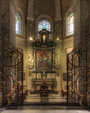 Gand, Belgique-26 OCTOBRE 2014: Intérieur de l'abbaye de Saint-Pete 's. Abbaye Saint-Pierre est l'un des plus grands monuments de Gand. Le magnifique jardin avec ses ruines et vigne ancienne est une oasis de verdure dans la ville animée et vaut bien une visite Éditoriale