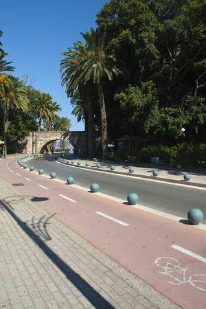 Célèbre voie et le pont dans la ville de Kos; Grèce