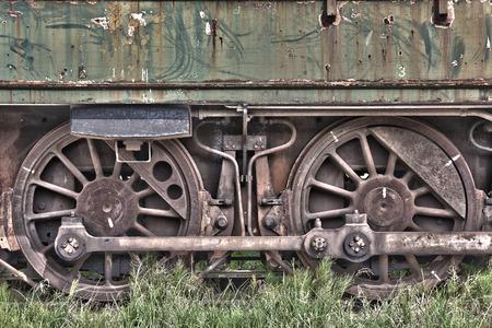 Rusty roues d'un train abandonné