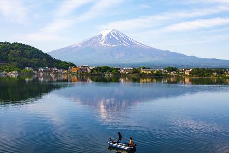 kawaguchi: Kawaguchiko lake with fuji mountain background Stock Photo