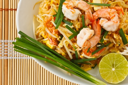 thai noodle: Thai stir-fried rice noodles (Pad Thai)