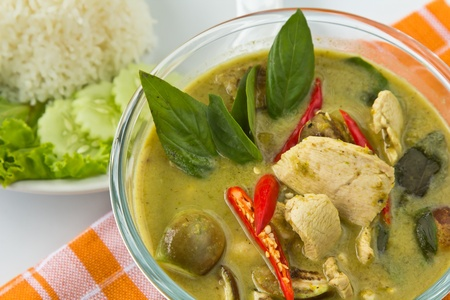 köri: Thai traditional and popular food, Green curry with chicken and eggplant,  Kaeng  Khiao  Wan  Kai