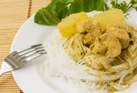 vermicelli: Traditional Thai cuisine, Thai rice vermicelli served with Chicken Green Curry.