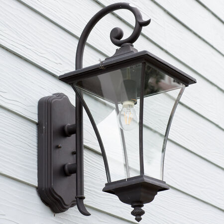 antique lamp photo