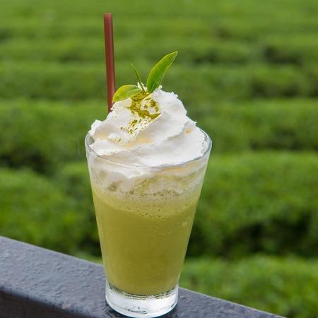 latte fresco: tè verde frappe Archivio Fotografico