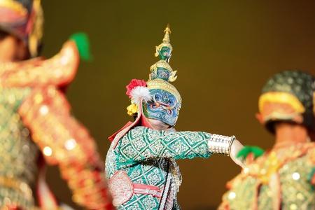 Khon - Thai classical masked ballet - Ravana prepare to war with Rama Stock Photo - 8445048