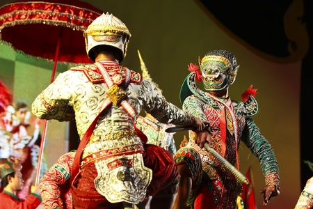 Khon - Thai classical masked ballet  - Monkey soldier and giant soldier in the war Stock Photo - 8445056