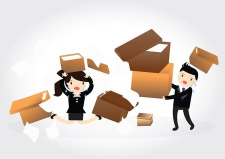 accident woman: Accidente con alg�n hombre de negocios y mujer de negocios que lleva una pila de cajas de cart�n