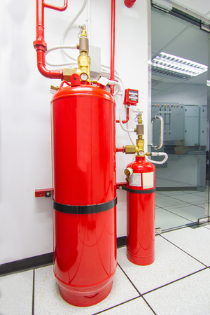 FM-200 Suppression Systems, Chemical tank used for extinguishing  FM200 Gas Flooding System, Gas Suppression System in Data Center Room Stockfoto