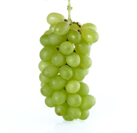 produits alimentaires: raisins isolé sur fond blanc